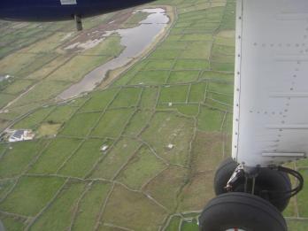 prop plane, Inis Mhor, Ireland