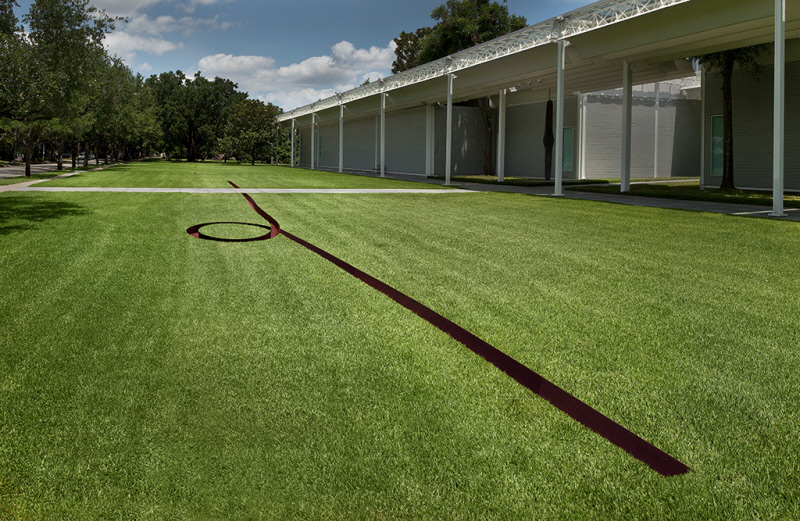 Michael Heizer, Isolated Mass / Circumflex (#2) (photo credit Menil)